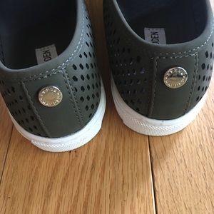 320a5bcaef1 Steve Madden Shoes - 1 DAY SALENWT Steve Madden Elouise sneaker sz 7